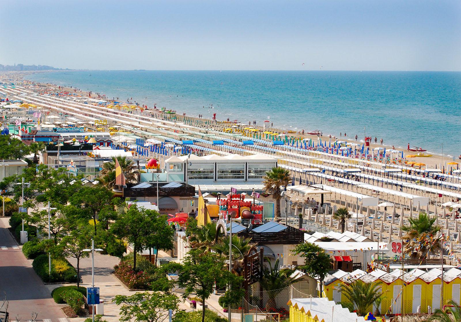 Residence riccione appartamenti sul mare con piscina - Residence riccione con piscina ...
